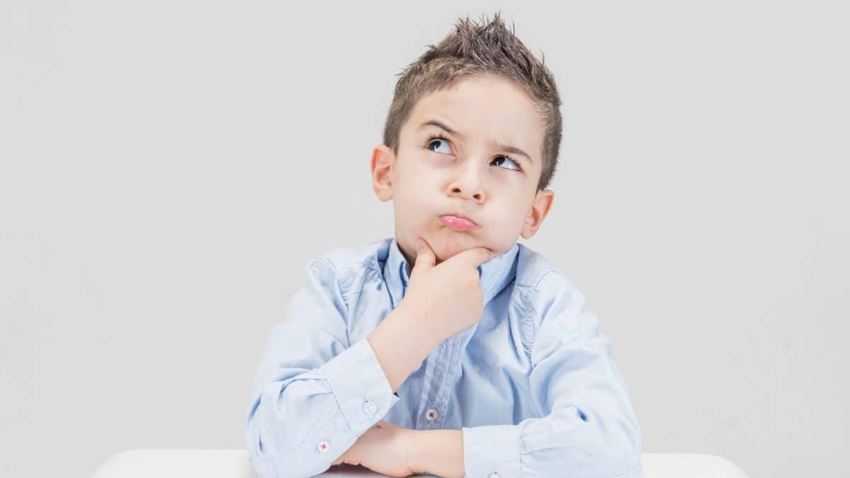 boy thinking calculation kid child sitting 1428411 pxhere.com